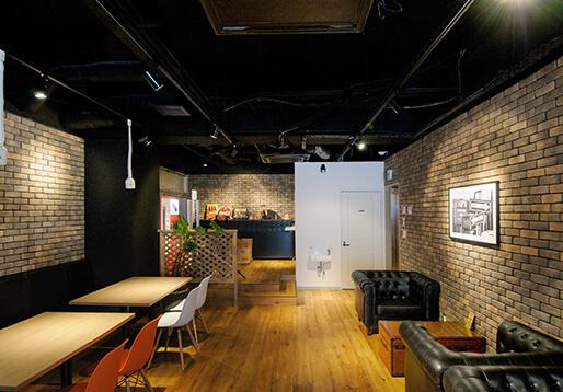 DIVISIONのカフェスペース